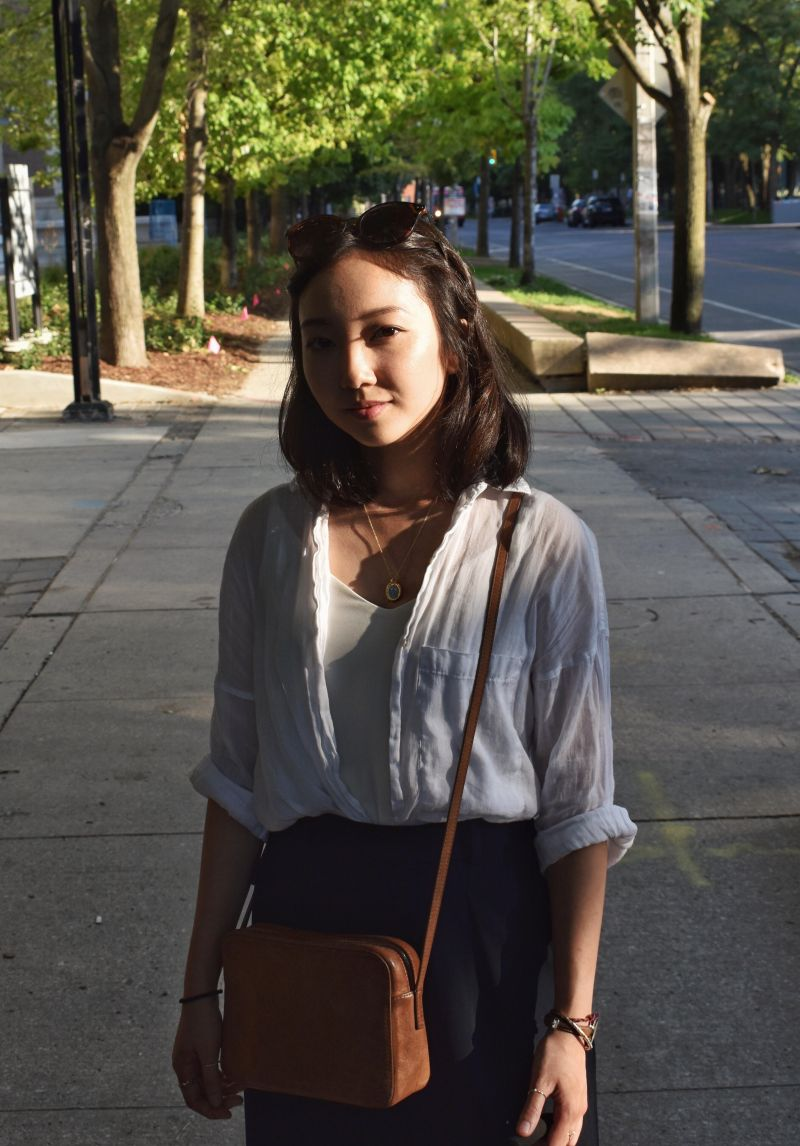 Shot taken at UofT campus during the last of the golden hour. Wearing a classic outfit, top from zara, culotte bottoms from uniqlo and brown leather crossbody bag from Aritzia