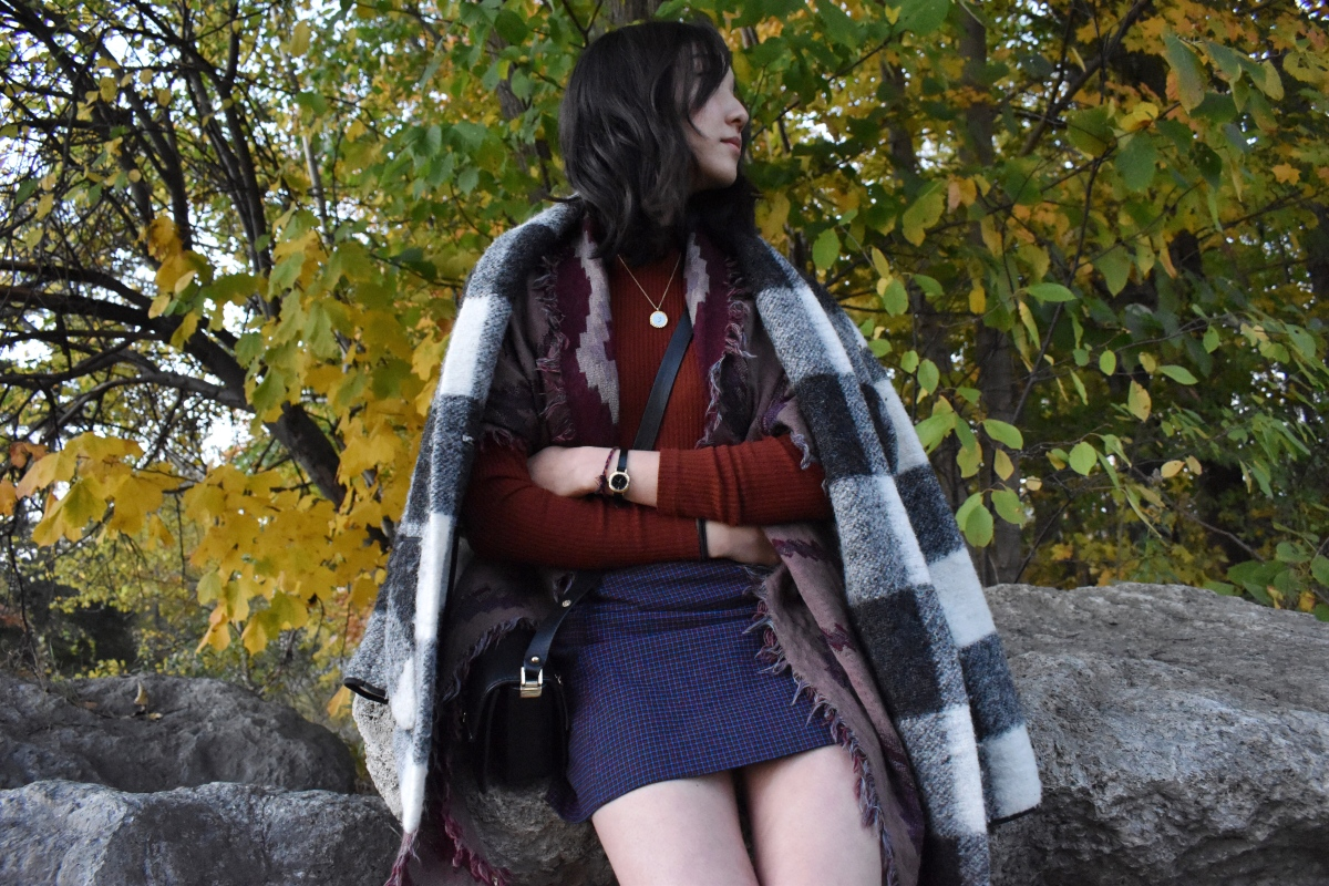 Ootd look featuring Neelam jacket by Aritzia, Uniqlo turtleneck, Lyra skirt by Sunday Best, and Zara black crossbody.