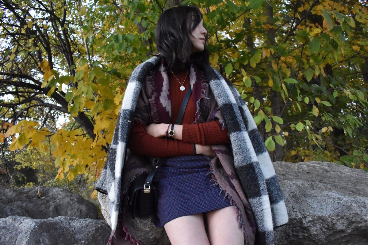 Ootd look featuring Neelam jacket by Aritzia, Uniqlo turtleneck, Lyra skirt by Sunday Best, and Zara black crossbody.