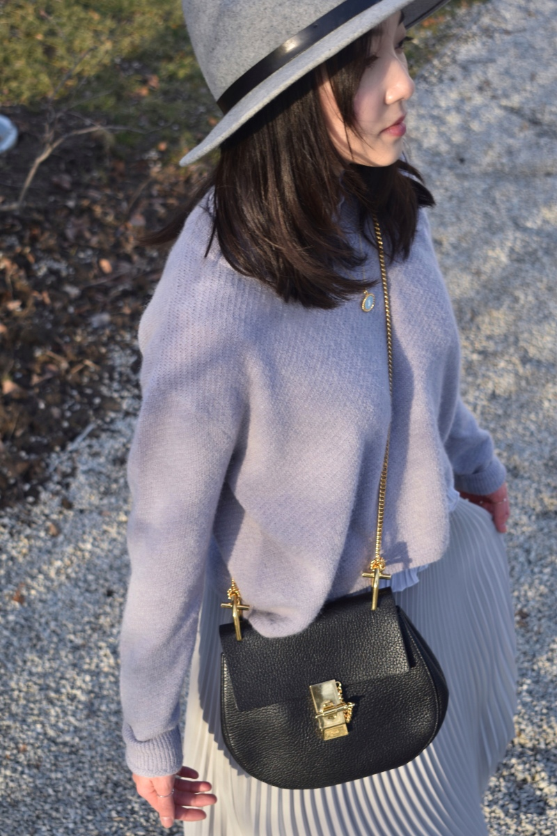 Monochromatic purple outfit look