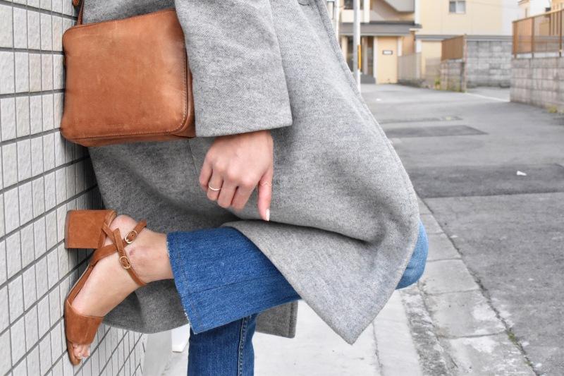 Simple kitten block heel sandals, minimal style, ootd, auxilliary bag