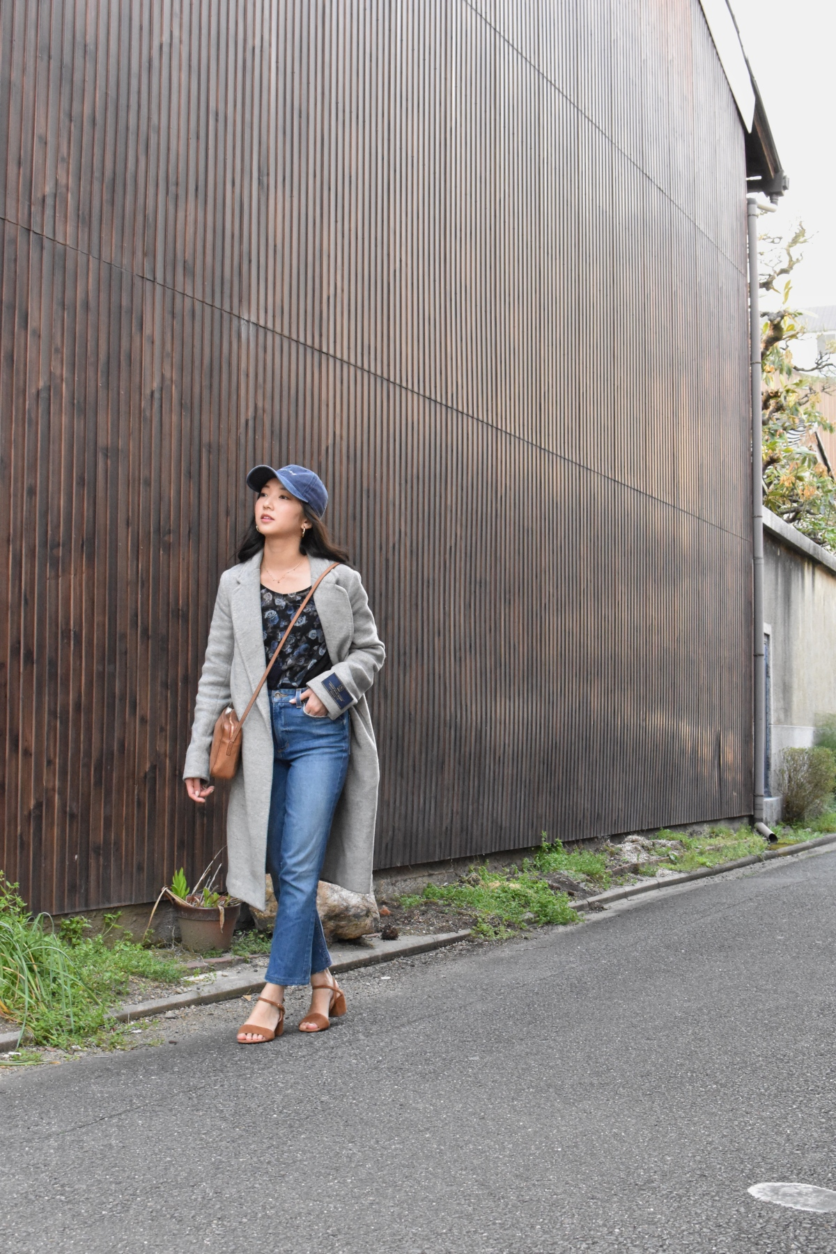 Koenji, Japan, ootd, casual chic look, minimal, simple style, strap kitten heels, paige jeans, straight legged jeans
